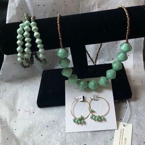 Gorgeous Jewelry Set!